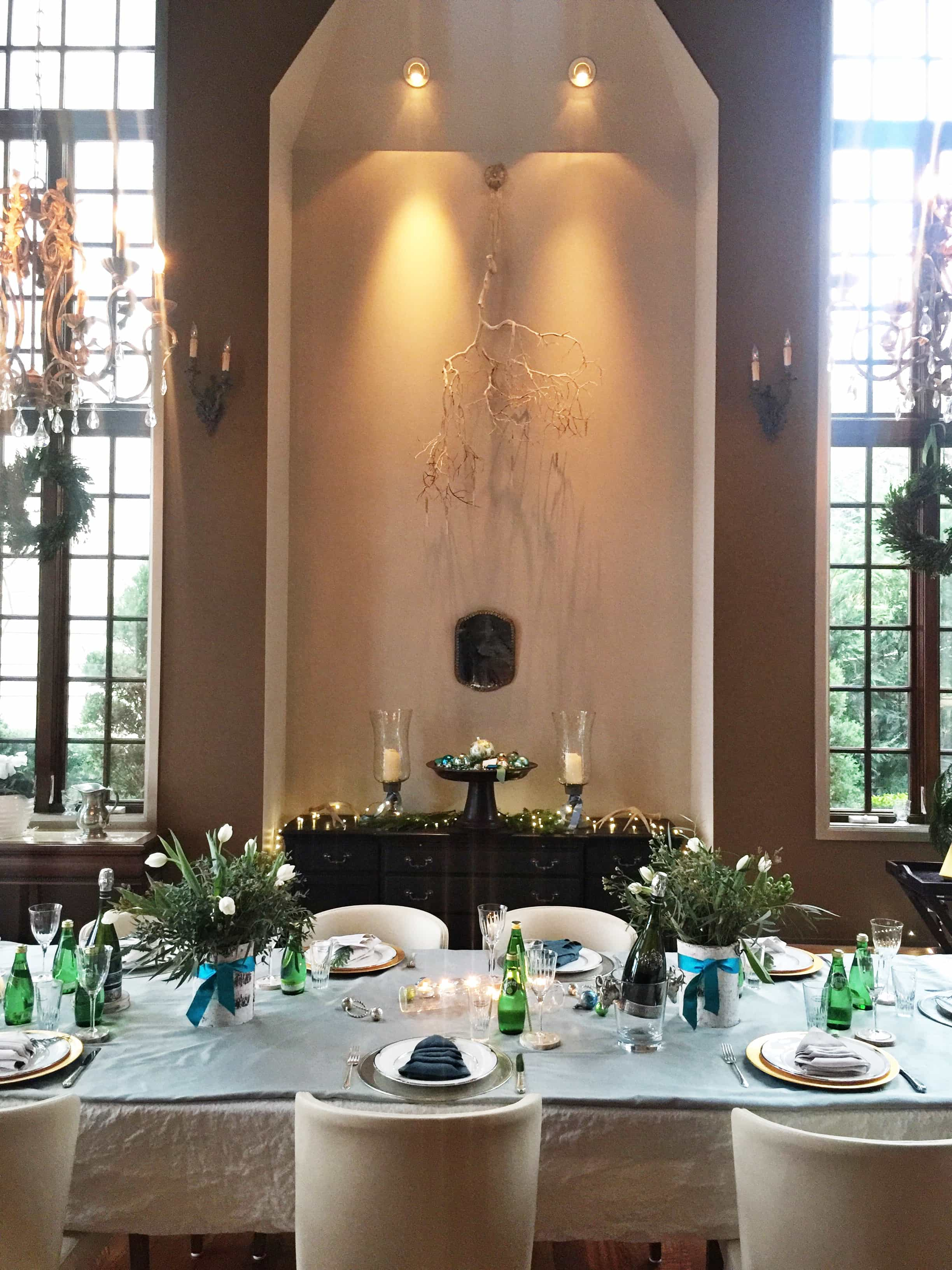 Gorgeous & elegant table setting by Swoon Talent's lifestyle expert Monica Hart