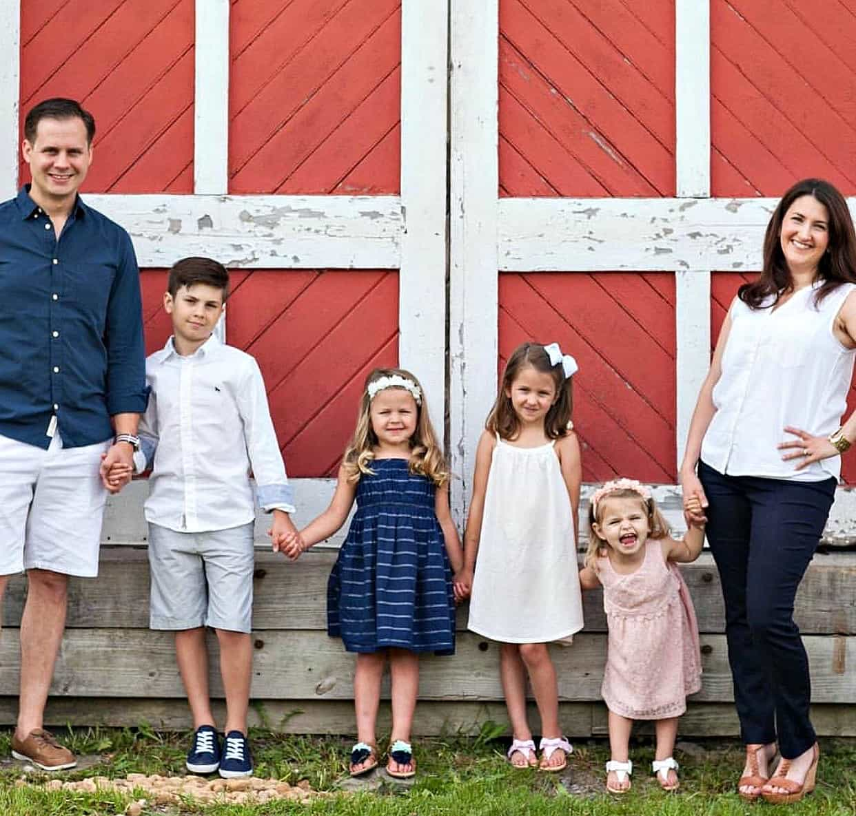 Swoon Talent's on-camera frugal living blogger & expert Lauren Greutman with her beautiful family