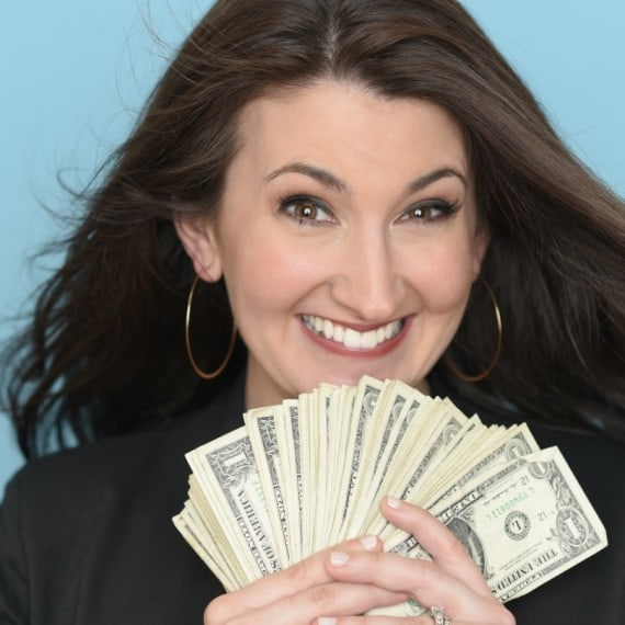 Frugal living & personal finance expert Lauren Greutman - Swoon Talent