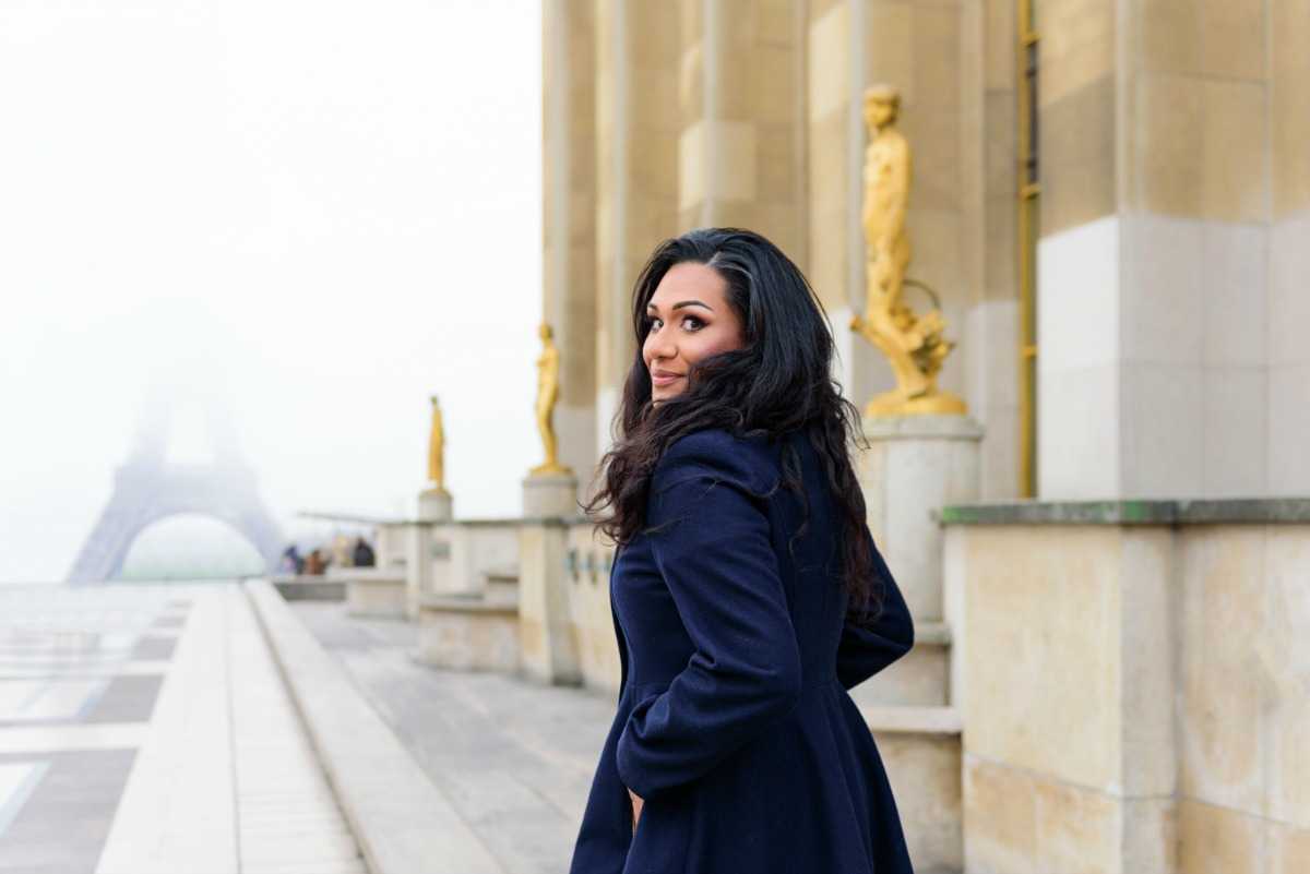 Swoon Talent - International Travel Expert Sandra McLemore in Trocadero, Paris. Photo by Fran Boloni