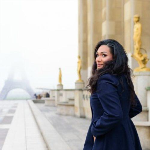 Swoon Talent - International Travel Expert Sandra McLemore in Trocadero, Paris. Photo by Fran Boloni