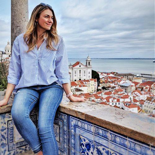 to book TV travel expert Jennifer Weatherhead - donna@swoontalent.com